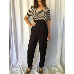 VINTAGE | Jumpsuit with square neckline and pleats